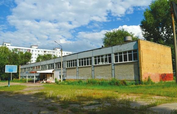 Школа в Самаре, типичная средняя окраинная школа с плохим бюджетом — 432 ученика, 59 сотрудников, 42 тыс. на ученика в год