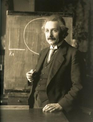 Альберт Эйнштейн в 1921 году. Фото F. Schmutzer