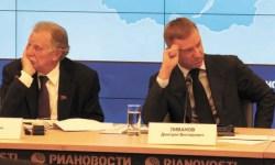 Жорес Алферов и Дмитрий Ливанов на Общественном совете в ноябре 2012 года. Тогда, кажется, ничто не предвещало такого разрыва. Фото Н. Деминой.