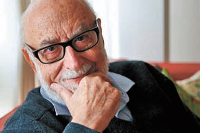 Франсуа Энглер (1932, гражданин Бельгии, профессор Свободного университета Брюсселя, Бельгия).