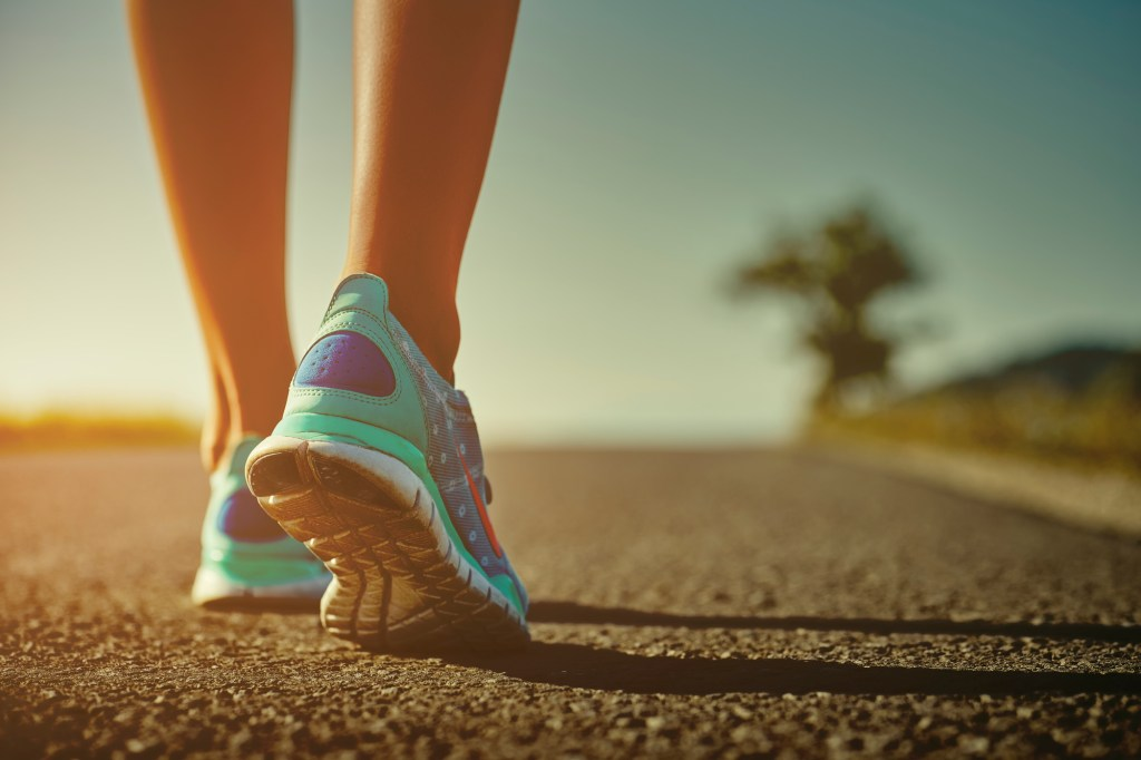 Is Power Walking Better Than Running to Lose Weight