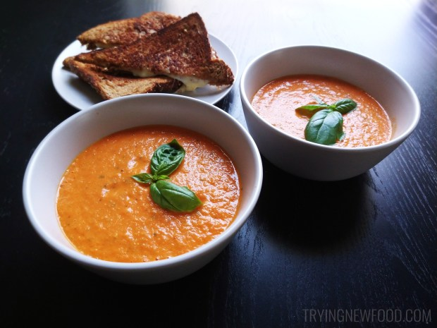 Creamy Tomato Basil Soup with Fresh Tomatoes