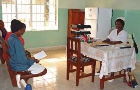 Nurse_at_Koidu_Hospital_Sierra_Leone