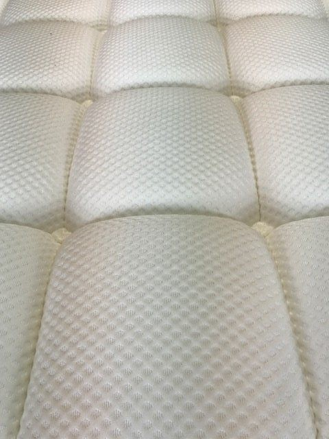 Try Any Mattress of Your Choice RISK-FREE @ Home W/ Free Delivery dreamcloud-cover DreamCloud mattress review