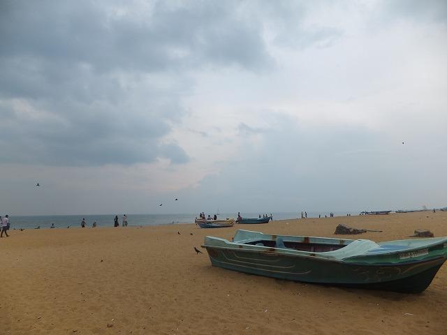閑散としているネゴンボビーチ:スリランカ