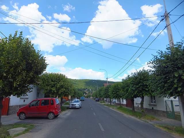 ハンガリーのとある小さな村の道