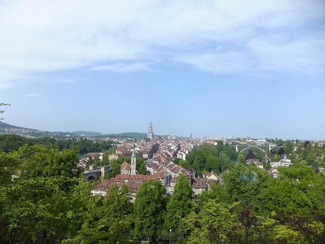 ローズガーデン(バラ公園)から眺めるベルン旧市街(春)