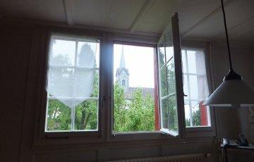 スイスの田舎の教会の景色
