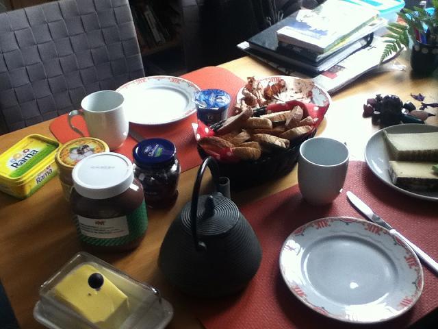 スイスのおばちゃん家でのご家庭朝ご飯
