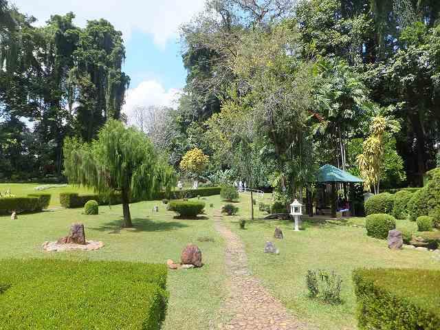 日本庭園、スリランカ風味:スリランカ旅行