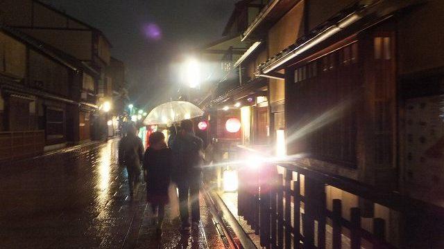 祇園夜の路地を散歩:京都