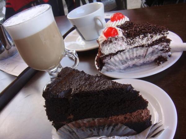 カフェ フォンタネッラの大人気:定番チョコケーキ