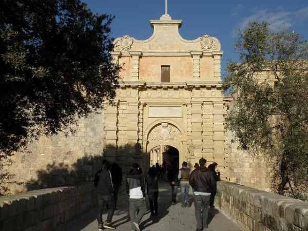 マルタの古都:城塞都市イムディーナの入口!