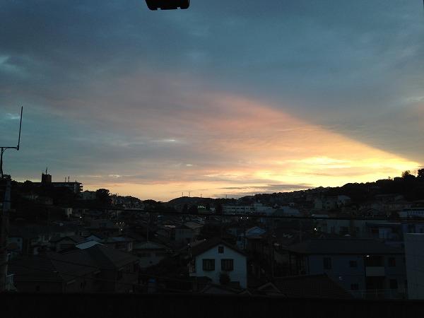 近所の駅から見えた夕焼け