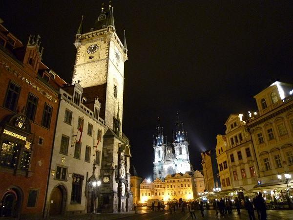 夜の旧市街広場&天文時計