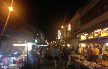 マラッカの夜のマーケット:海外ノマド生活