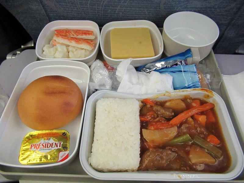 チャイナエアラインの機内食:昼食:北京→ミンスクベラルーシ