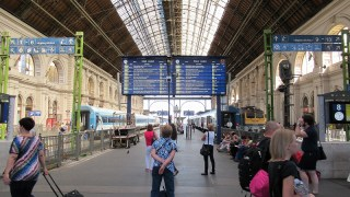 ハンガリーブダペストkeleti駅:国際線はここから出ている