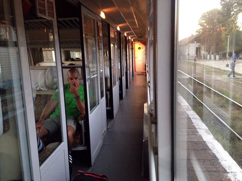ハンガリーからルーマニアへ向かう電車の中