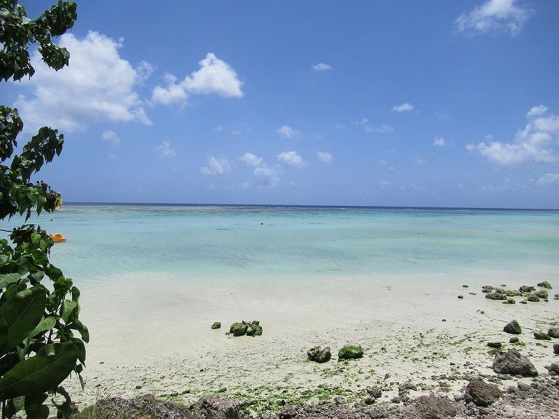 グアムリーフホテルのプライベートビーチ:すごく綺麗!
