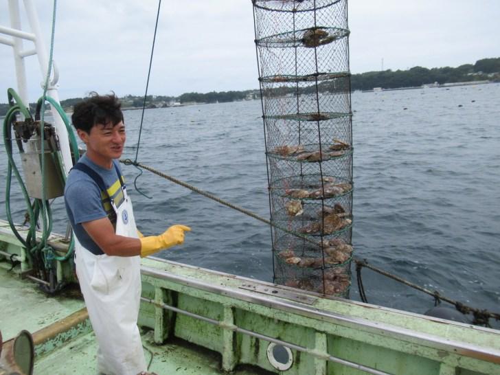 南三陸:金比羅丸さんでホタテ採り体験ツアー