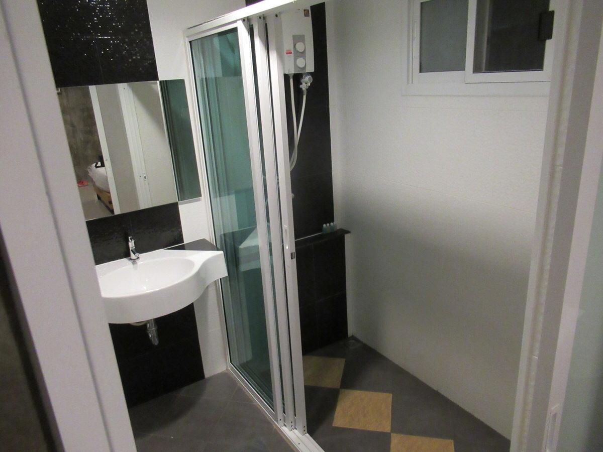 シャワー:ドンムアン空港近くホテル:エリア69