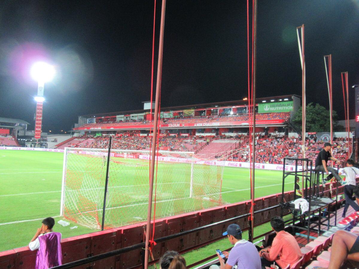 2階観客席もあります!SCGスタジアム:タイサッカープレミアリーグ