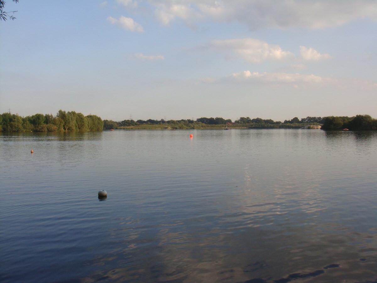 ドイツ・おぼれかけた湖.2
