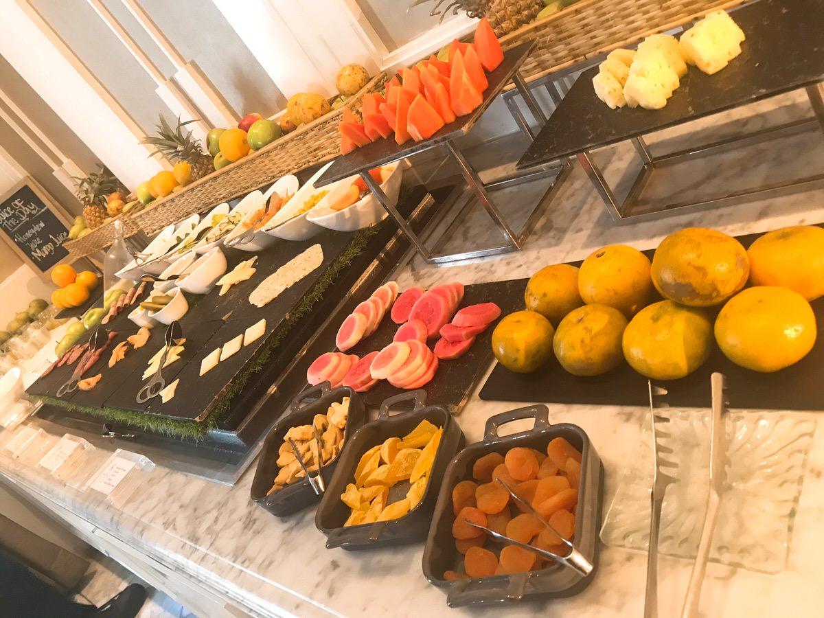 パン・朝食・ジャカルタ・ホテル・エルミタージュ