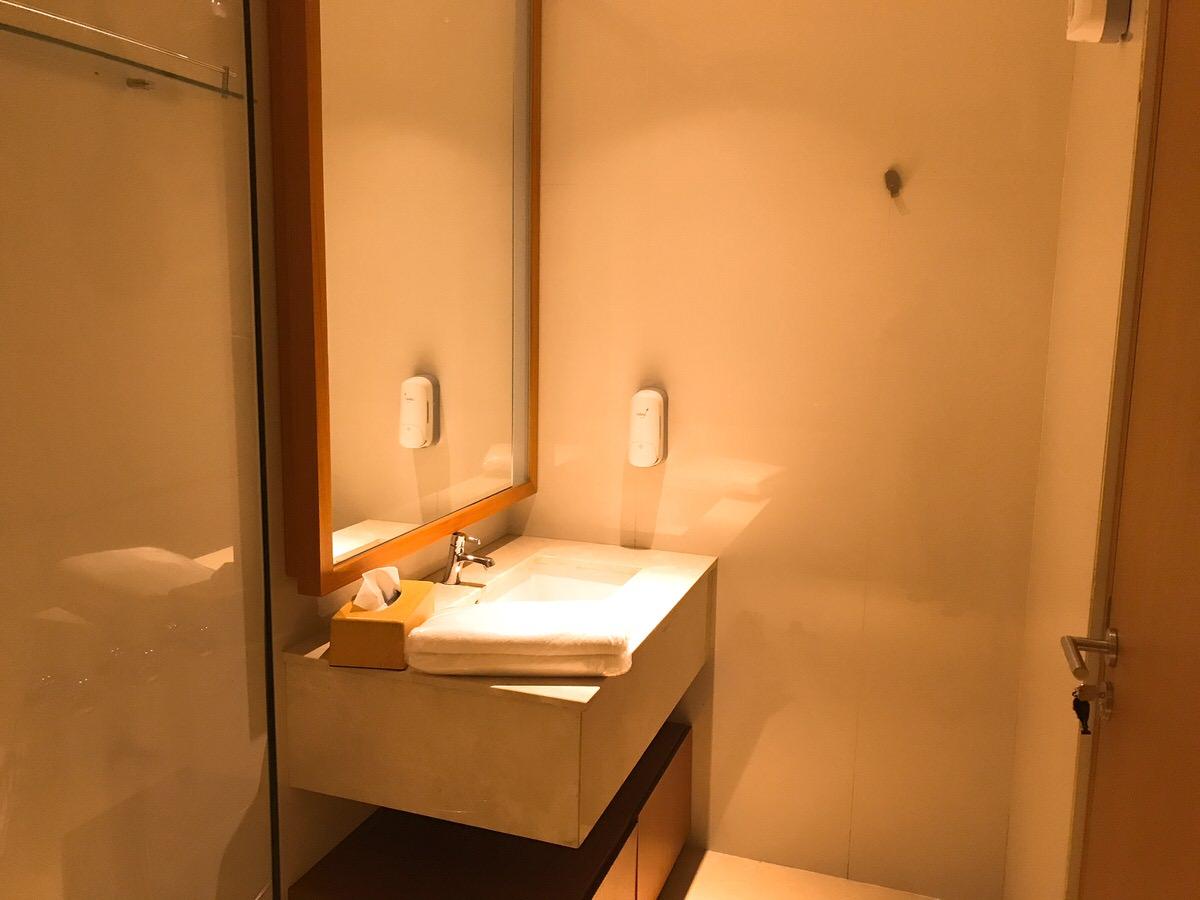 シャワールーム_ガルータインドネシア航空ビジネスクラスラウンジ