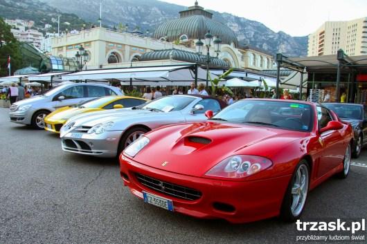 Parking pod Biedronką w Monako