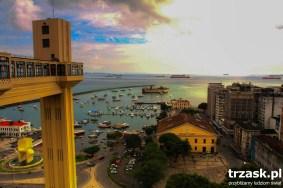 Dźwig/winda łączący górne i dolne miasto. Salvador de Bahia