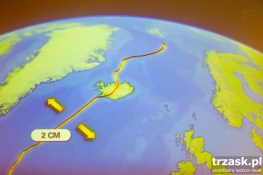 Islandia leży na styku dwóch płyt tektonicznych, które oddalają się od siebie o około 2cm na rok