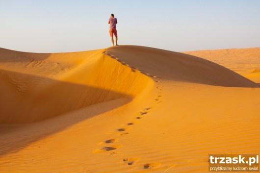 Walking on the Sand Dunek in Oman.