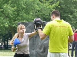 Boxoló lány
