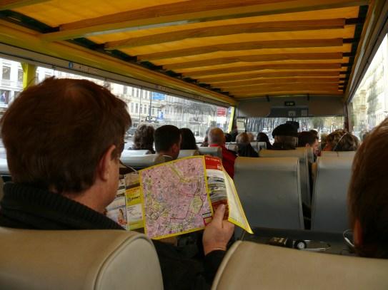 Turista busz