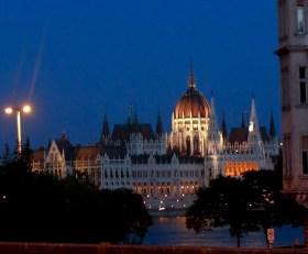 Parlament este