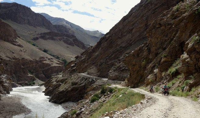 Premiers tours de roues en aval d'Ichar