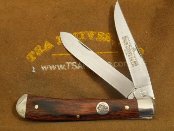 Queen Cutlery Premium Trapper Walnut