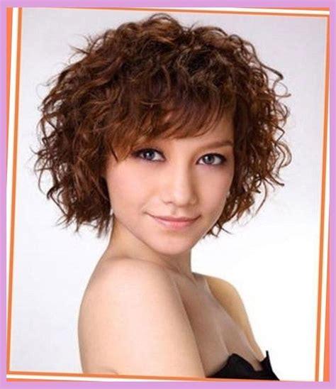 short haircuts naturally curly hair face