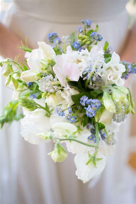 blue white wedding flowers