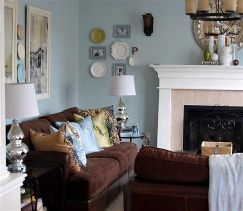 benjamin moore woodlawn blue evolution living room brown