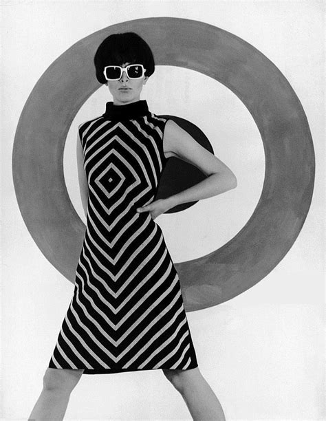 op art model milan 1966 2019 60s fashion