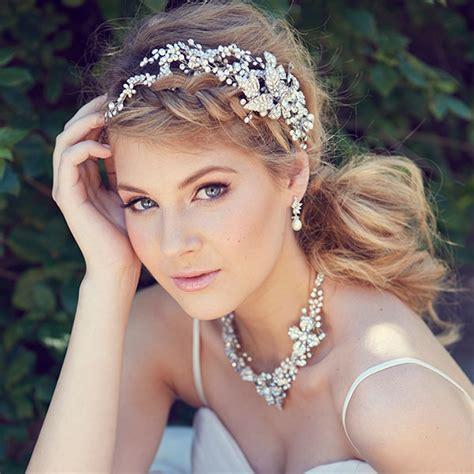 bridal accessories modern wedding