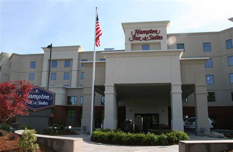 hton inn suites seattle airport 28th ave