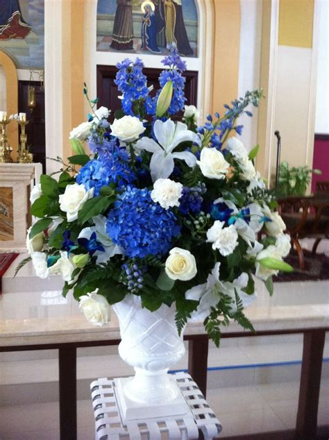 blue white reception wedding flowers wedding decor wedding