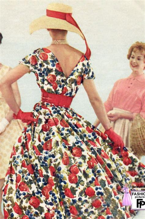 10 feminine 50s clothing trends women today women