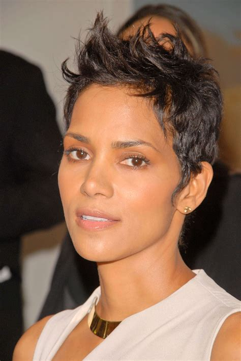 28 amazing halle berry hairstyles haircuts inspirations
