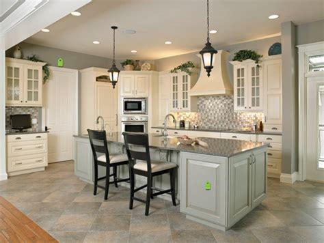 2017 cheap priced white color solid wood kitchen