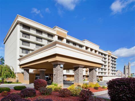 hotels niagara falls usa side holiday inn niagara